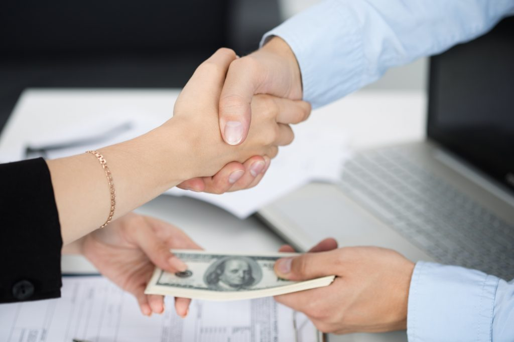 How to Choose The Right Payday Loan Provider