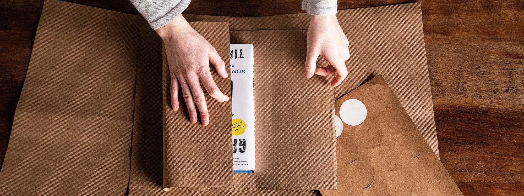 Personalize Packaging Style and Turn Ordinary Packaging into a Gift Package