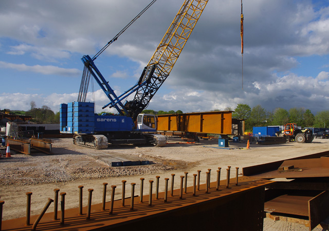 Get Crawler Cranes from eCranes at an Affordable Price