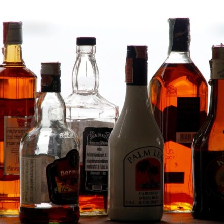 What Are the Benefits of Alcohol delivery Service?