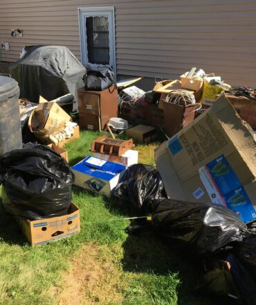 3 Things to consider before hiring a junk removal service